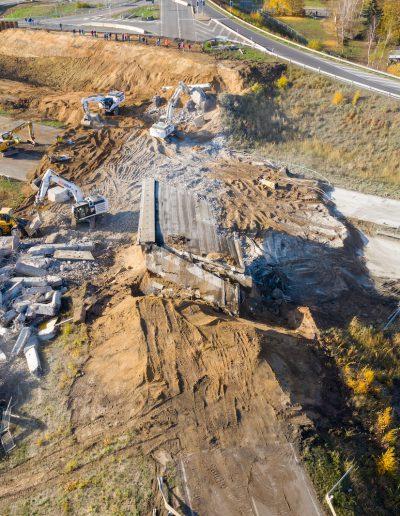 Im Zuge des A 72-Weiterbaus muss am Wochenende die nächste Brücke weichen. Bei Großdeuben wird die alte B 2-Brücke über die B 95 innerhalb von drei Tagen abgerissen. 11
